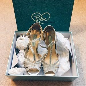 Betsey Johnson Silver Tee Open-toe Evening Sandals